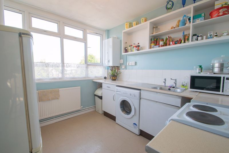 1 bed flat for sale in Crabbe Street 4