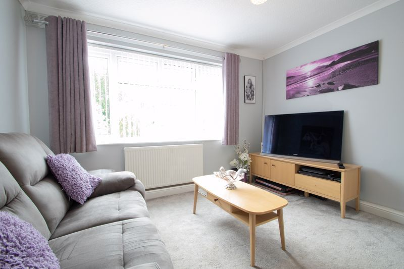 4 bed house for sale in Witley Avenue  - Property Image 2