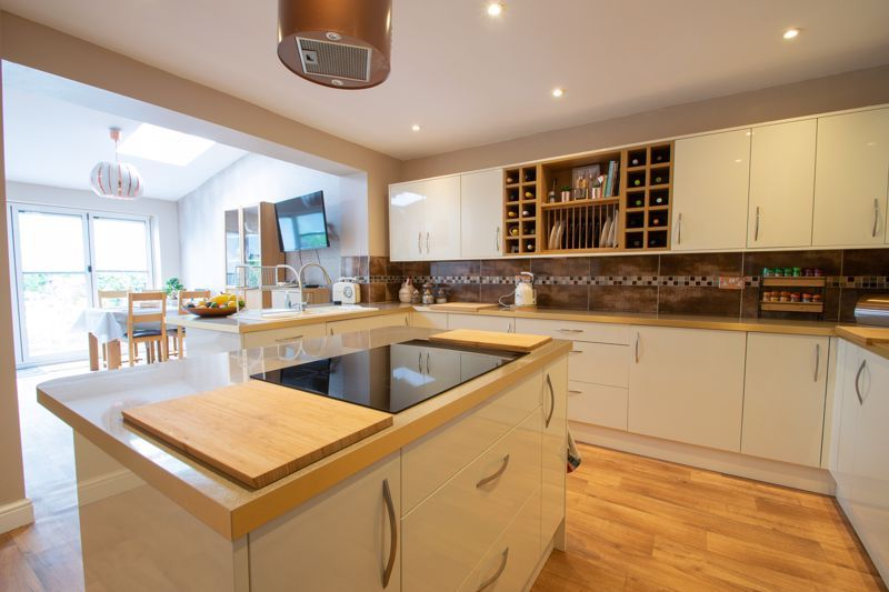 4 bed house for sale in Witley Avenue  - Property Image 5