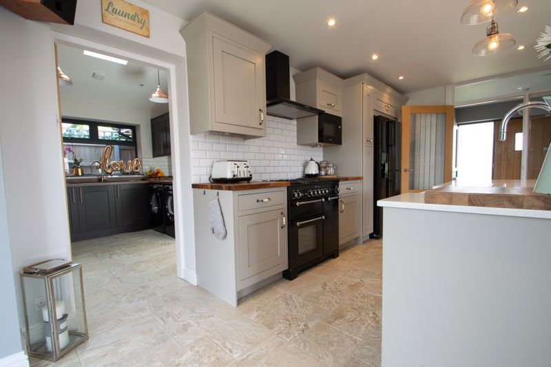 4 bed house for sale in Hyperion Road 16