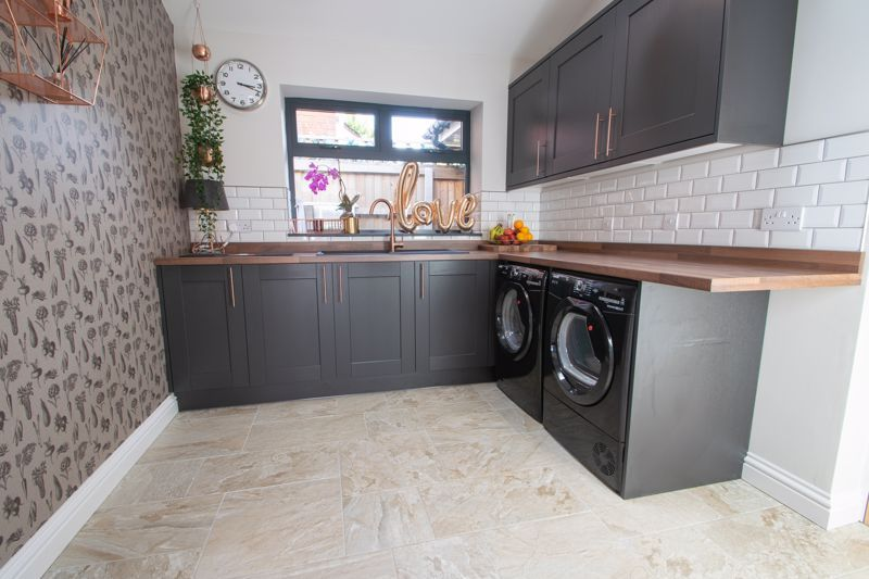 4 bed house for sale in Hyperion Road 19