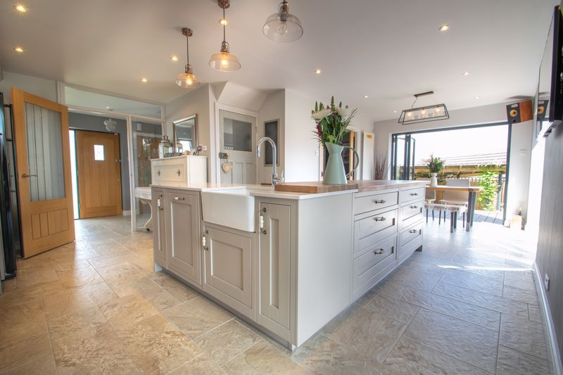 4 bed house for sale in Hyperion Road  - Property Image 3