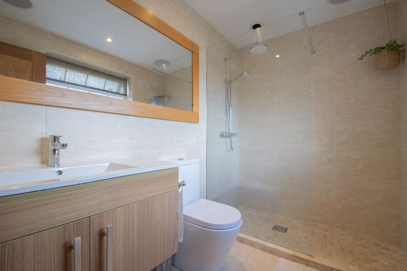 4 bed house for sale in Hyperion Road  - Property Image 7