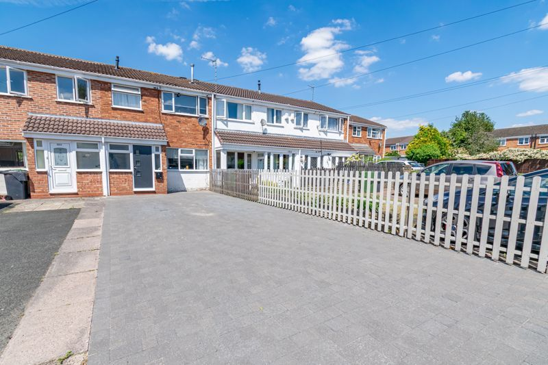 3 bed house for sale in Golden Cross Lane 1