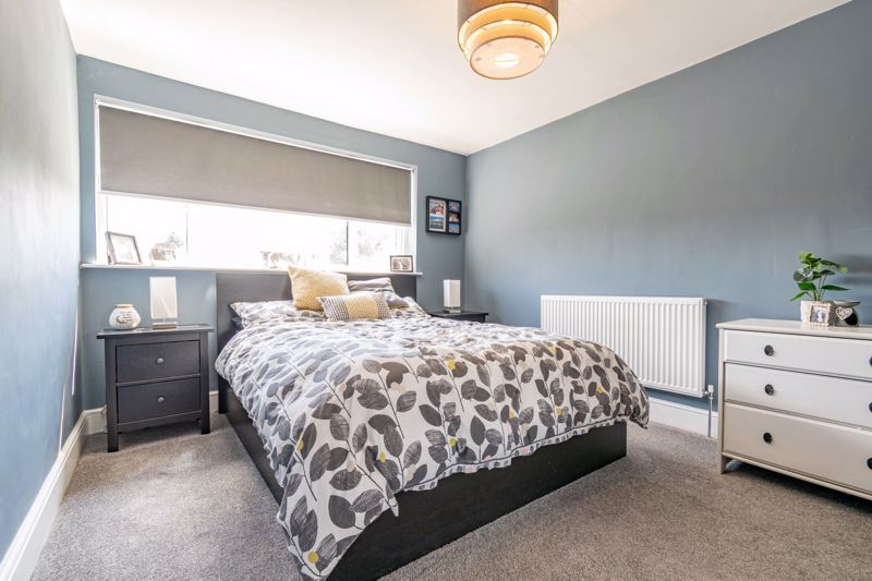 3 bed house for sale in Golden Cross Lane 7
