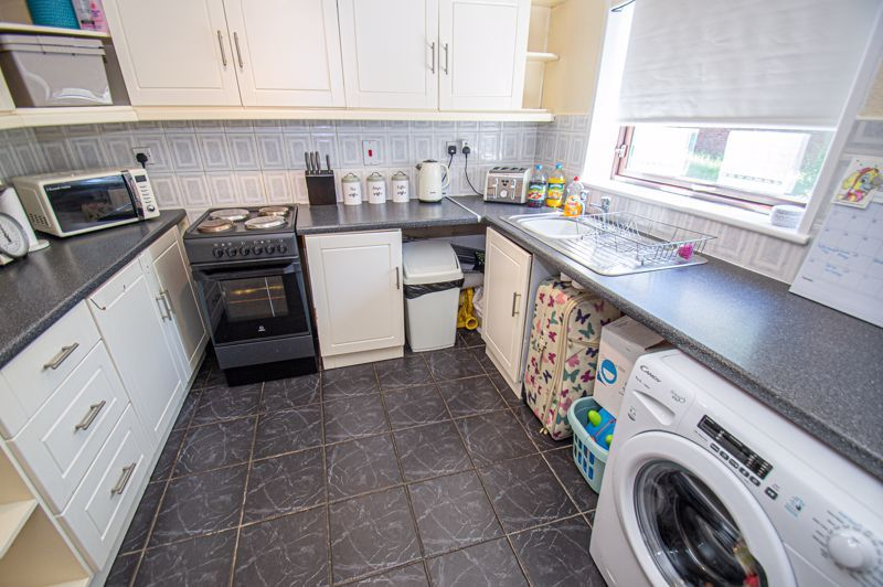 2 bed house for sale in Sandhurst Close 4