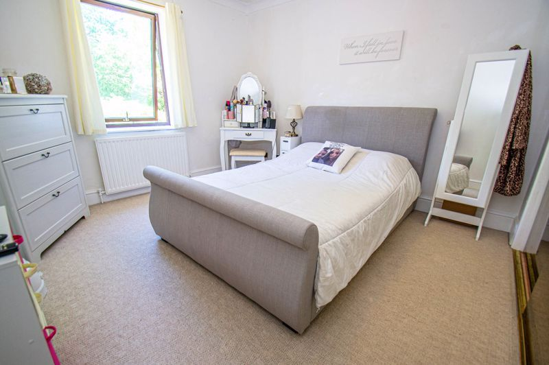 2 bed house for sale in Sandhurst Close 6