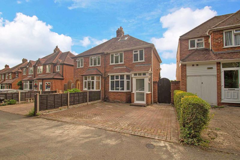 3 bed house for sale in Watery Lane  - Property Image 1