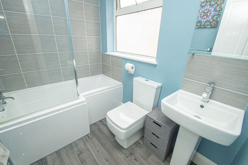 3 bed house for sale in Watery Lane 10