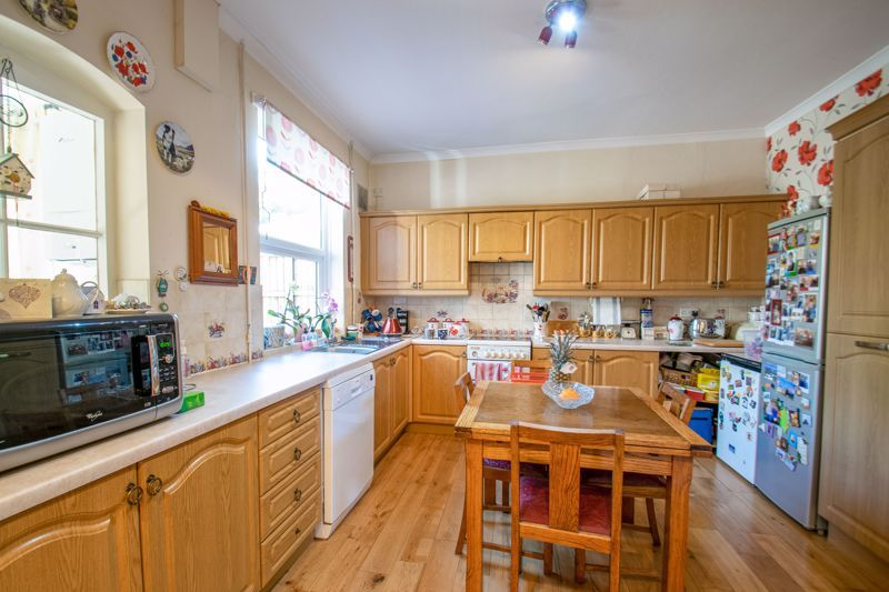 5 bed house for sale in Bromsgrove Road  - Property Image 5