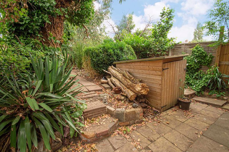 2 bed house for sale in Rookery Avenue 12