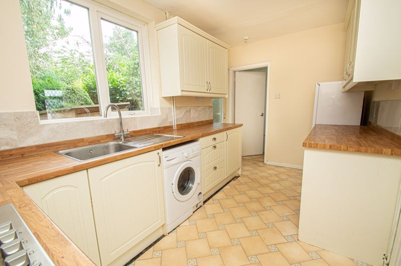 2 bed house for sale in Rookery Avenue  - Property Image 5