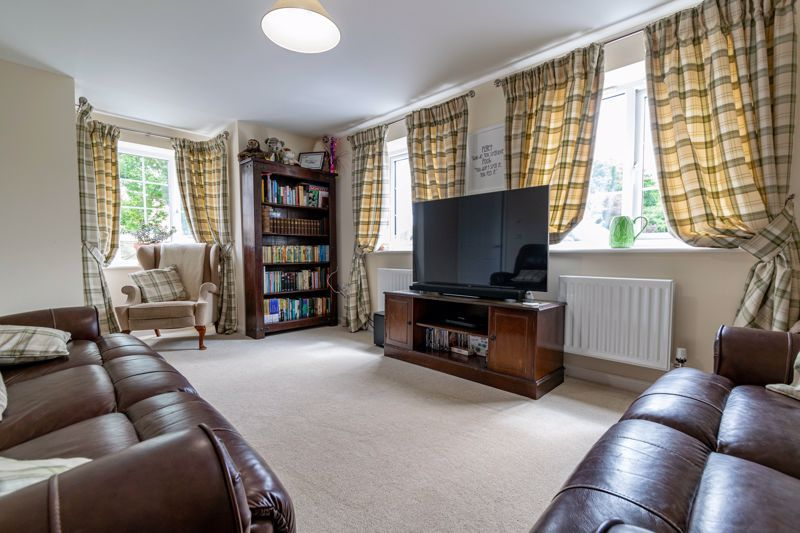 3 bed house for sale in Bomford Way  - Property Image 2