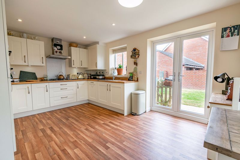 3 bed house for sale in Bomford Way 3