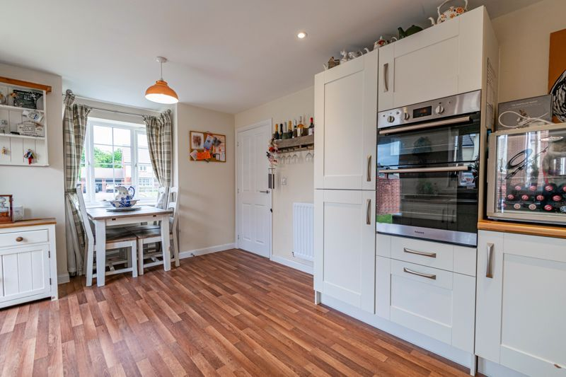 3 bed house for sale in Bomford Way  - Property Image 4