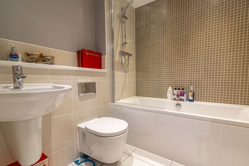 3 bed house for sale in Bomford Way  - Property Image 10