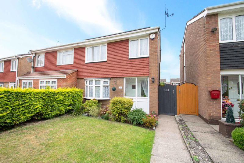 3 bed house for sale in Regis Heath Road 1