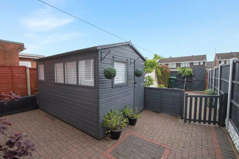 3 bed house for sale in Regis Heath Road 19