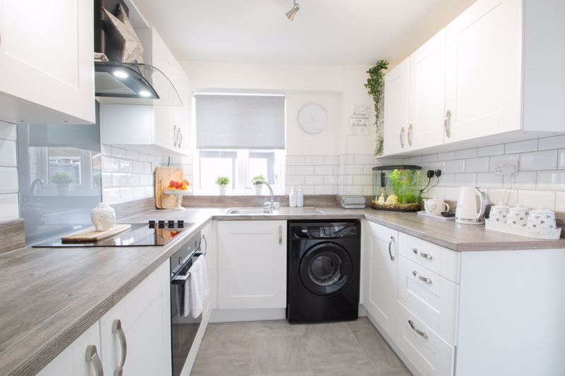 3 bed house for sale in Regis Heath Road  - Property Image 3