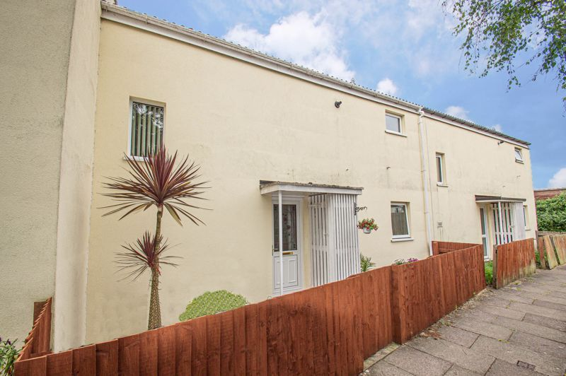 3 bed house for sale in Winforton Close 1