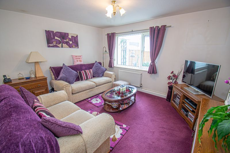 3 bed house for sale in Winforton Close 2