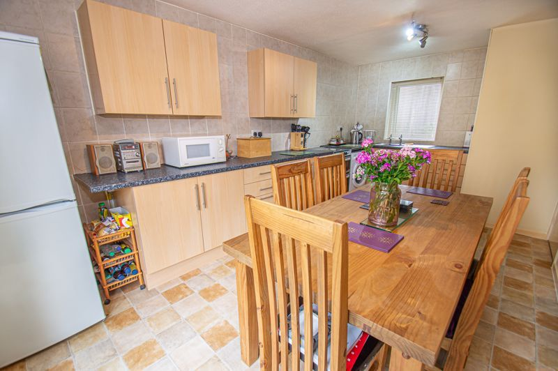 3 bed house for sale in Winforton Close 6