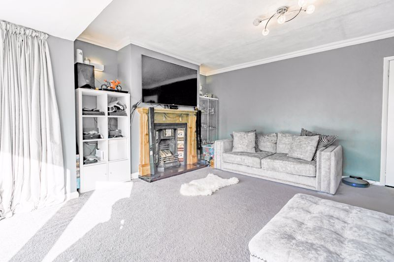 3 bed house for sale in Quantock Road  - Property Image 3