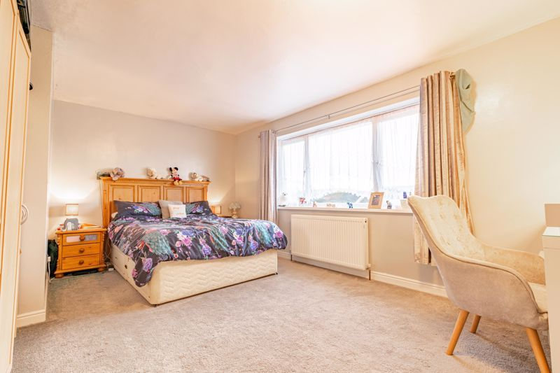 3 bed house for sale in Quantock Road 6
