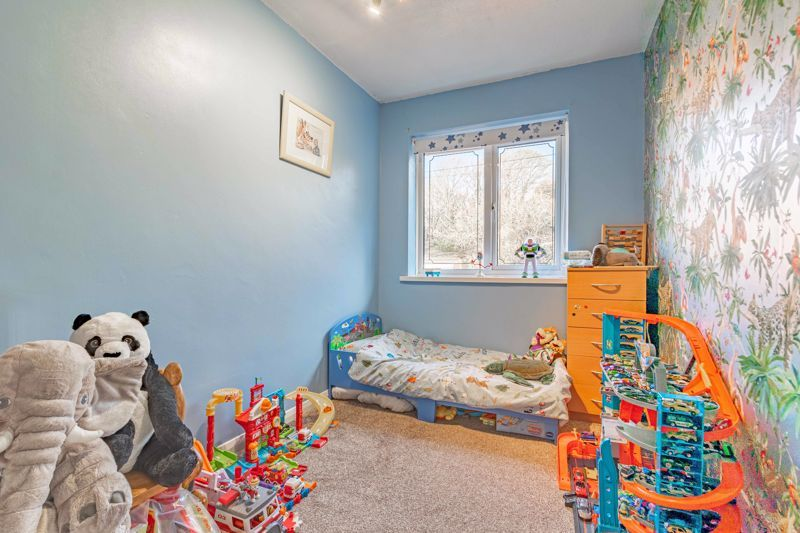 3 bed house for sale in Quantock Road  - Property Image 9