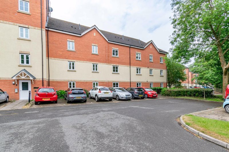 2 bed flat for sale in School Drive  - Property Image 1