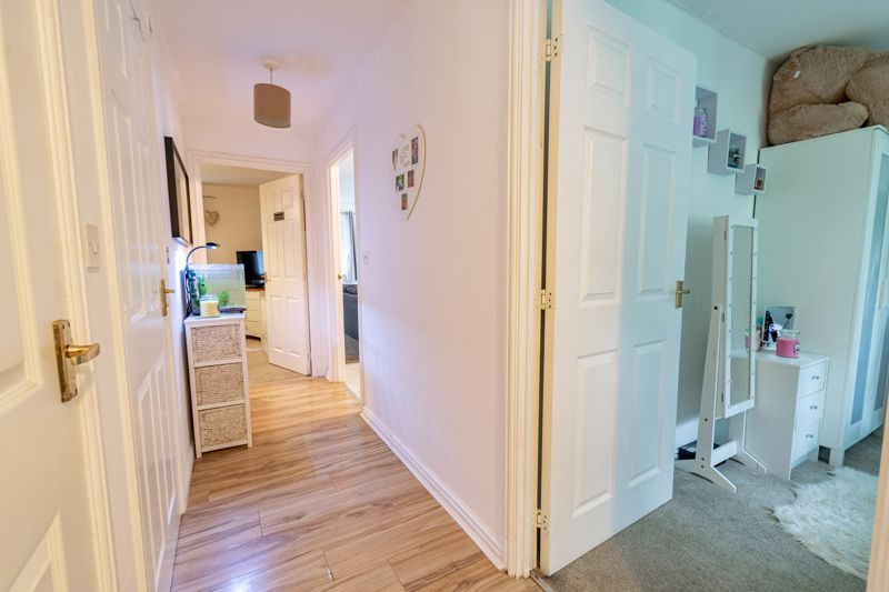 2 bed flat for sale in School Drive  - Property Image 10