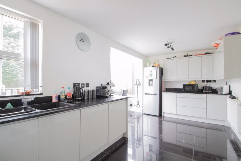 3 bed house for sale in Marshwood Croft 4