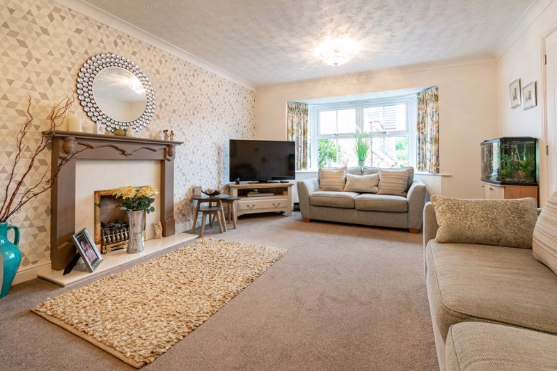4 bed house for sale in Ettingley Close  - Property Image 2