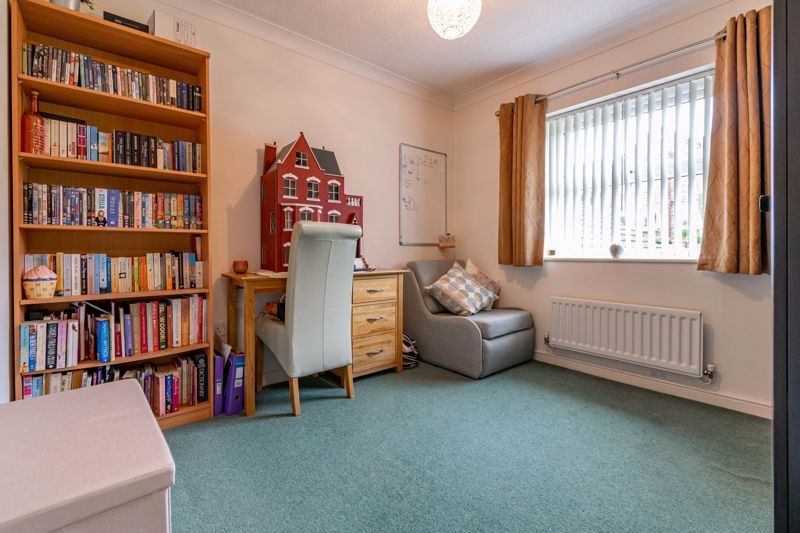 4 bed house for sale in Ettingley Close  - Property Image 11