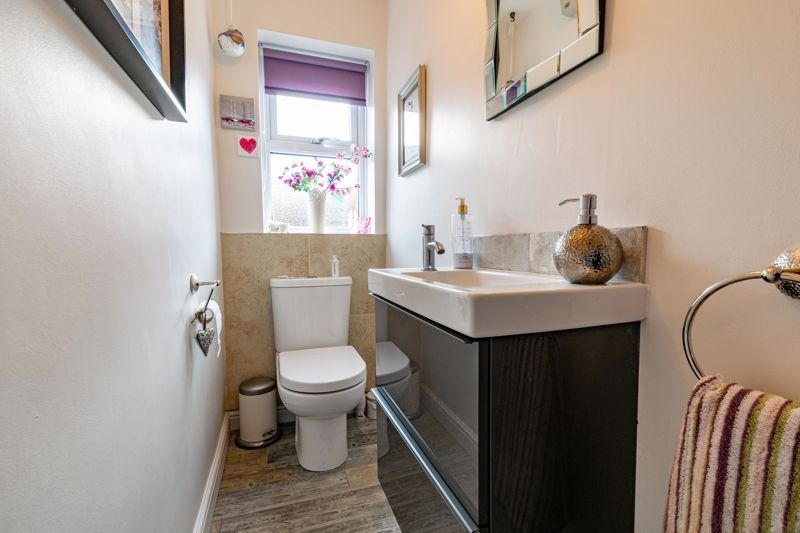 4 bed house for sale in Ettingley Close  - Property Image 19