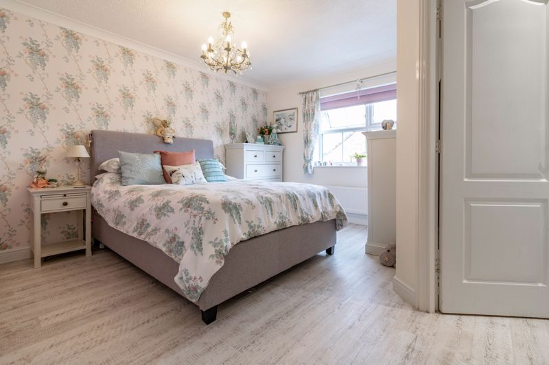4 bed house for sale in Ettingley Close 7