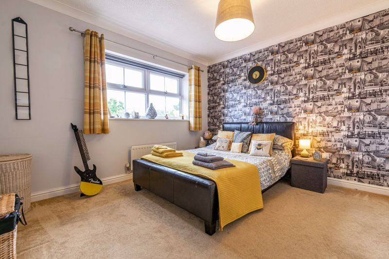 4 bed house for sale in Ettingley Close  - Property Image 9