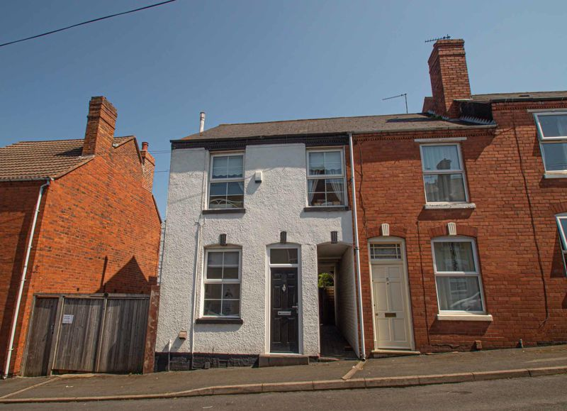 3 bed house for sale in Victoria Street 1