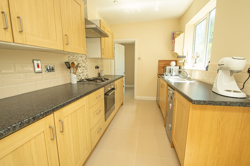 3 bed house for sale in Victoria Street  - Property Image 4