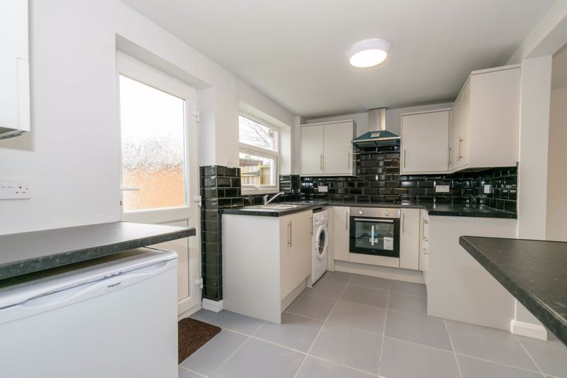 4 bed house to rent in Whitford Close 3