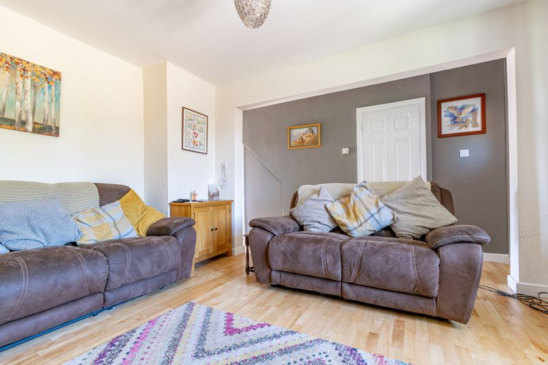3 bed house for sale in Edgeworth Close  - Property Image 2