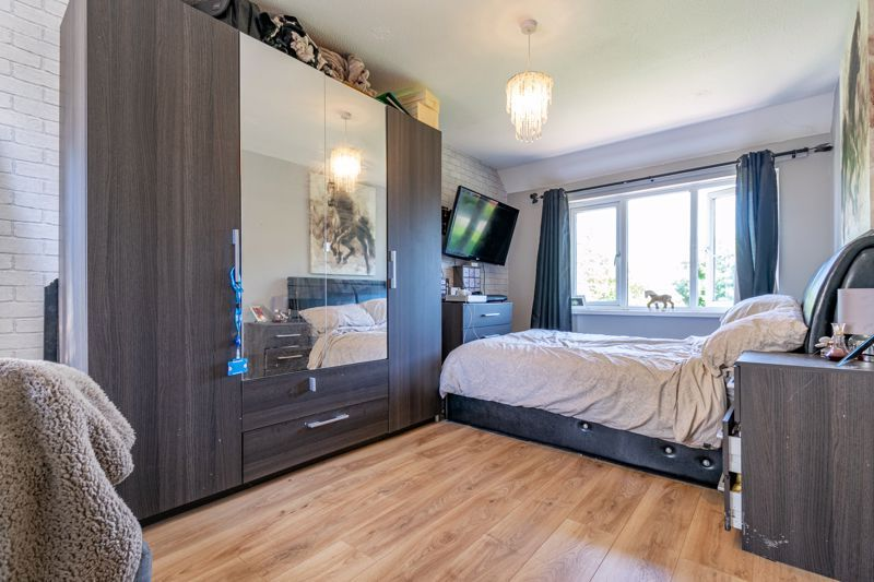 3 bed house for sale in Edgeworth Close  - Property Image 8
