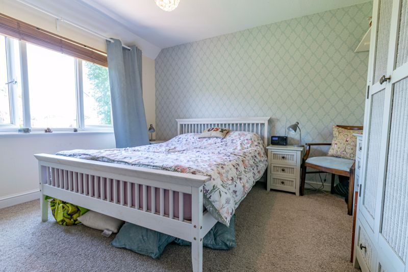 3 bed house for sale in Edgeworth Close 9