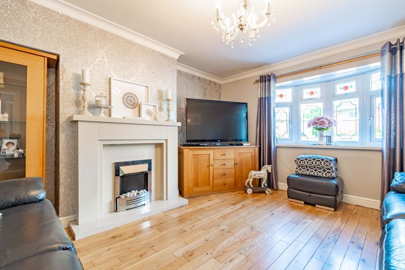 4 bed house for sale in Newark Road 2