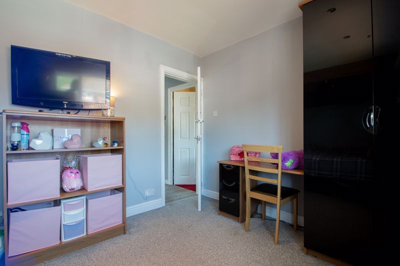 4 bed house for sale in Newark Road 13
