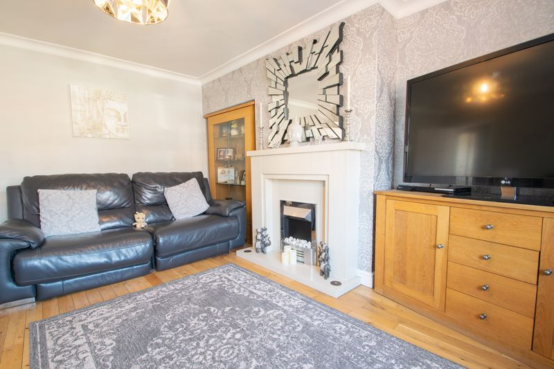 4 bed house for sale in Newark Road 4