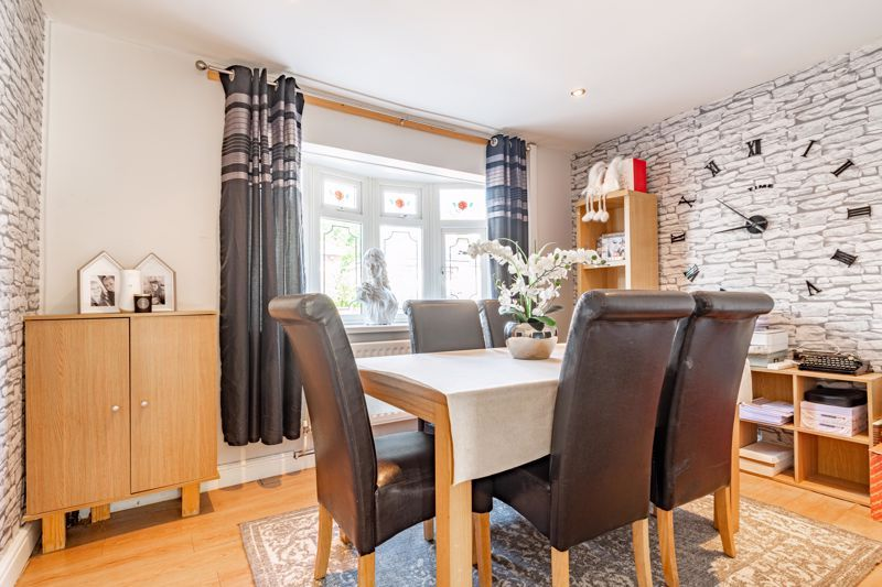 4 bed house for sale in Newark Road 5