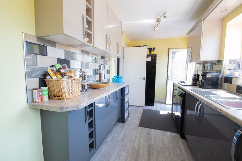 4 bed house for sale in Newark Road  - Property Image 8
