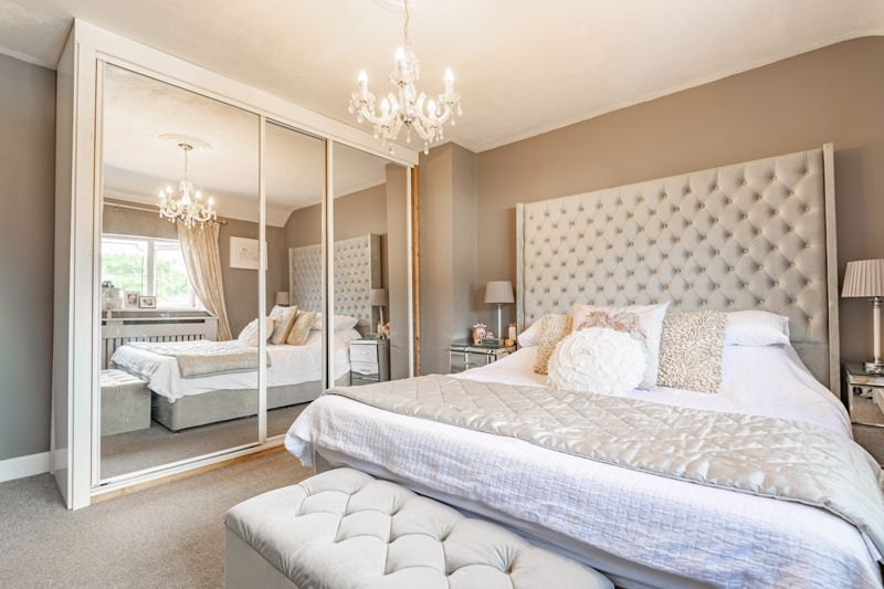 4 bed house for sale in Newark Road 9