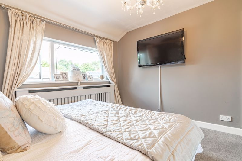 4 bed house for sale in Newark Road 10